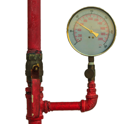 Valve e la pressione dell'acqua metro manometro su sfondo bianco