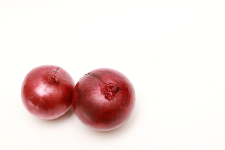 aftertaste: two isolated red onion on white background Stock Photo
