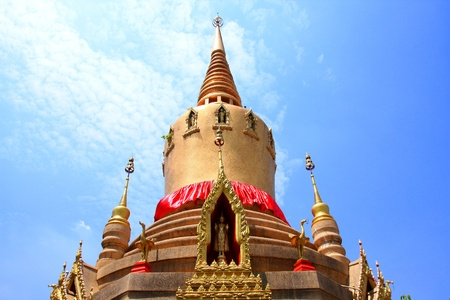Thai temple and bluesky Stock Photo - 13631672