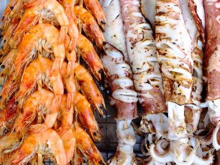 Grilled shrimp and squid,sea food photo