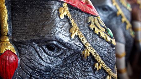 animal figurines: Doll War Elephants Adorn The Park