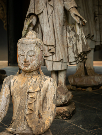 The Buddhas Wood Carve arranging in The Pavilion Imagens