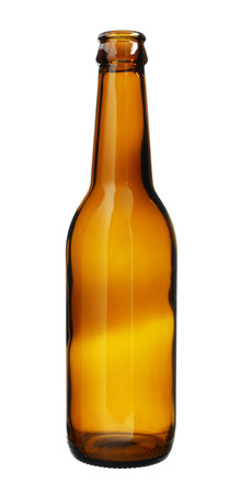 vaso vacio: Simple botella de cristal de Brown aislado en el fondo blanco