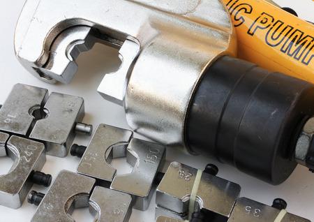 crimper: Hydraulic Cable Crimping Tool Set