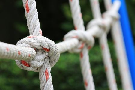 매듭 그물의 위로 닫기