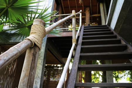 대나무로 만든 계단 난간