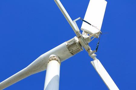 로컬 디자인 바람 터빈 가까이 추상
