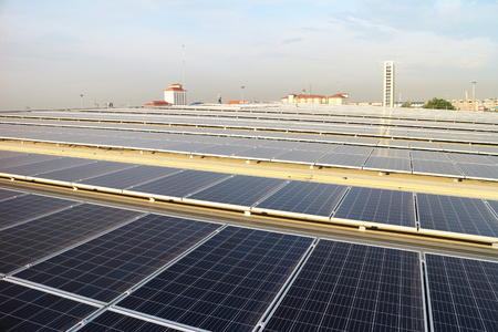 Solar PV Rooftop with Technician 스톡 콘텐츠