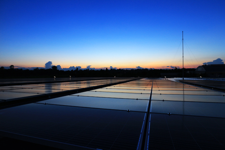 Solar PV Rooftop Beautiful Clear and Dawn Sky 스톡 콘텐츠