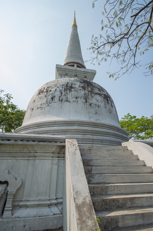 replicated: Buddhas relics.The shape is a Lanka Called in his face as it is located on a square base. But the ancient city built here is scaled down to 1 in 3 is replicated from the actual one in the ancient city. Samut Prakan, Thailand