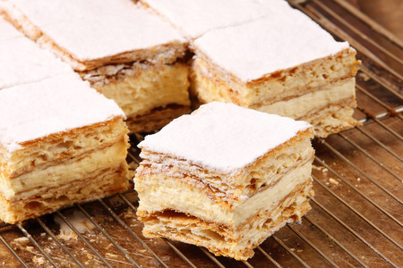 mille: Cakes with cream on puff pastry