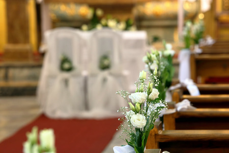 Church decoration before wedding ceremony Standard-Bild