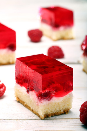 raspberry jelly: Fruit cake with raspberry jelly