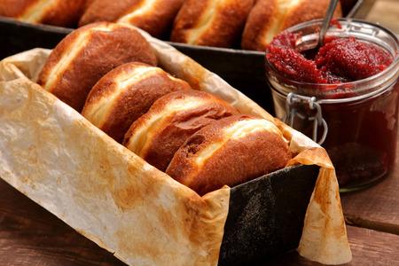 곰팡이 빵집에 신선한 도넛