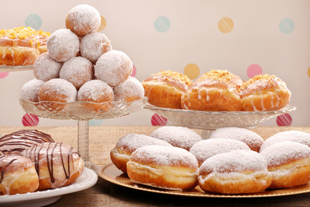 Many different types of donuts cakes on Fat Thursday 版權商用圖片