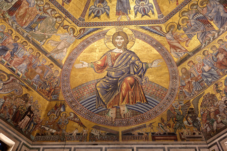 FLORENCE, ITALY - JULY 11, 2014: Cupola of Baptistery of Florence Cathedral Santa Maria del Fiore interior of Florence inside, Tuscany, Italy. 新闻类图片