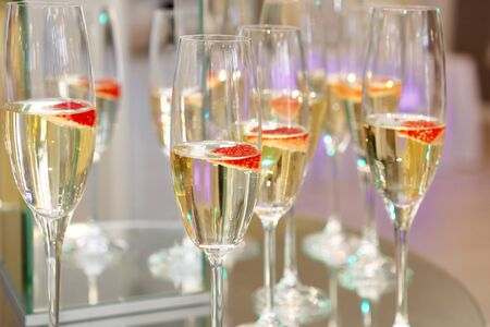 Champagne for bride and groom at wedding reception 版權商用圖片
