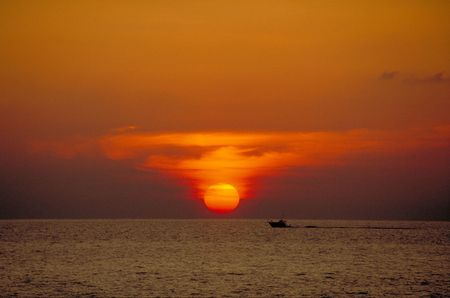 sportfishing: Sunset with sportfishing boat at Clearwater Beach, Florida