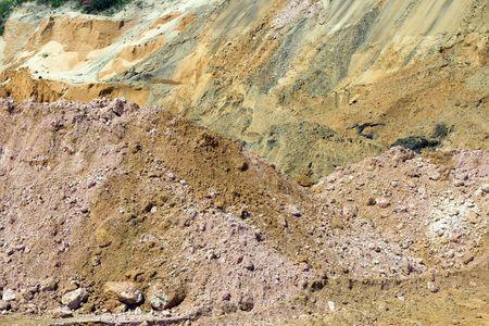 strata: Astratto modello di colori in strati di roccia e sporcizia