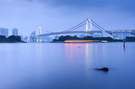 お台場、東京湾、東京市の夕景