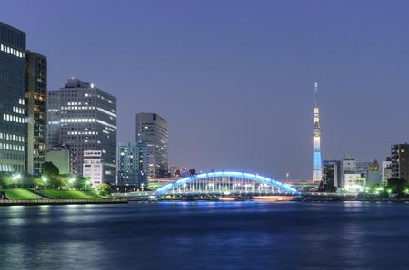 東京の夜の風景