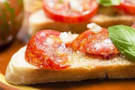 mallorca: Country bread with black zebra tomato and olive oil