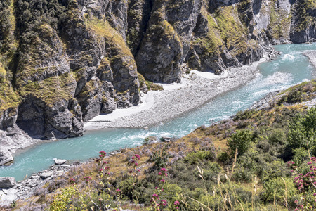 New Zealand South Island - Canyon with the Shotover River on Skippers Canyon Road north of Queenstown in the Otago region Standard-Bild - 127443754