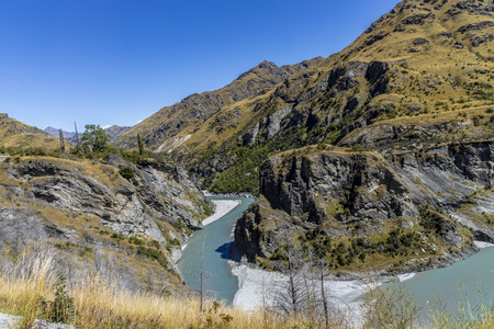 New Zealand South Island - Canyon with the Shotover River on Skippers Canyon Road north of Queenstown in the Otago region Standard-Bild - 127443762