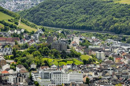 View of Bingen on the Rhine with Klopp Castle in the UNESCO World Heritage Upper Middle Rhine Valley Standard-Bild - 127467345