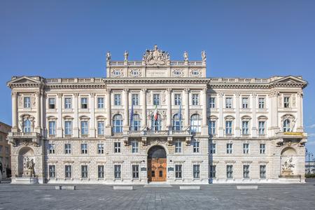 Palace of the Lloyd Triestino shipping company located in Piazza dell'Unit? d'Italia in Trieste Standard-Bild - 127467356