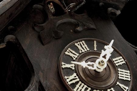reloj cucu: Reloj de un antiguo reloj de cuco