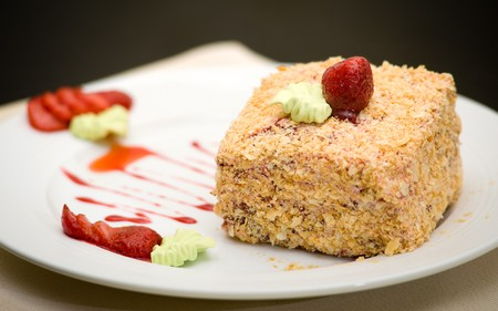bestrew: napoleon cake with strawberry and green cream