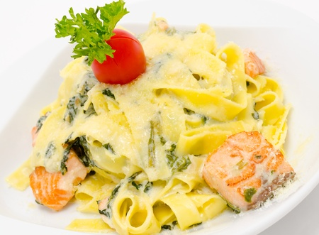 spinage: pasta with salmon and spinach