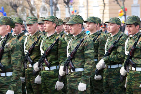 ulan ude: ULAN-UDE, RUSSIA - MAY 9: Young russian soldiers stand at the parade on annual Victory Day, May, 9, 2009 in Ulan-Ude, Buryatia, Russia. Editorial