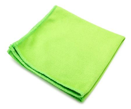 microfibra: una toalla de microfibra de limpieza verde, sobre fondo blanco