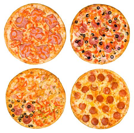 queso fresco blanco: cuatro pizzas diferentes en un conjunto, vista desde arriba, aislado en blanco