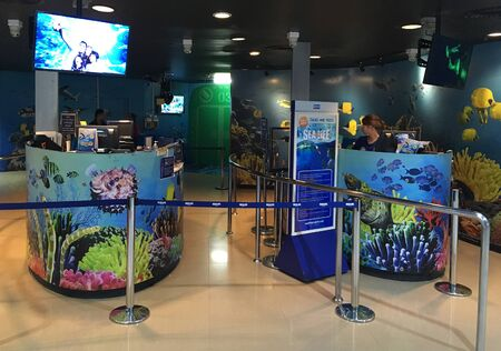 BANGKOK - DECEMBER 2017: Visitors take pictures at the Sea Life Bangkok Ocean World shop. Sea Life Bangkok Ocean World (formerly, Siam Ocean World) is the largest aquarium in South East Asia.