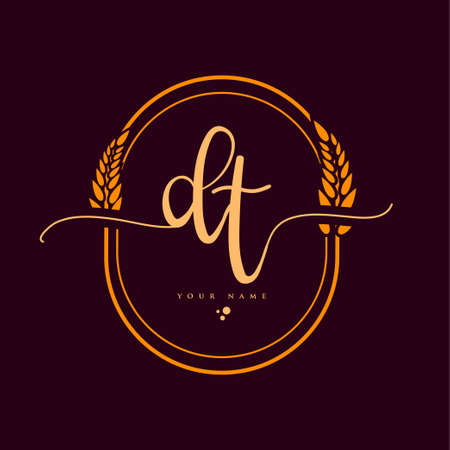 DT Initial handwriting logo. Hand lettering Initials logo branding with wreath, Feminine and luxury logo design isolated on elegant background.