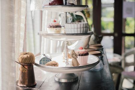Cupcakes setzen Standard-Bild - 29168299