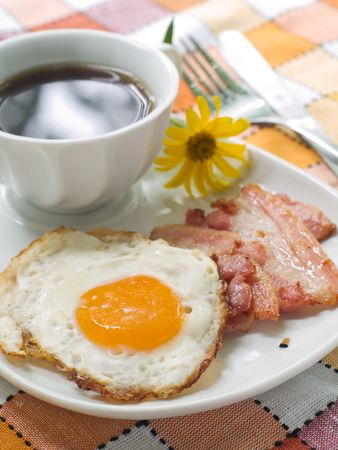 Bacon, Eggs, Toast, Orange Juice and Coffee for breakfast Stock Photo - 7685560