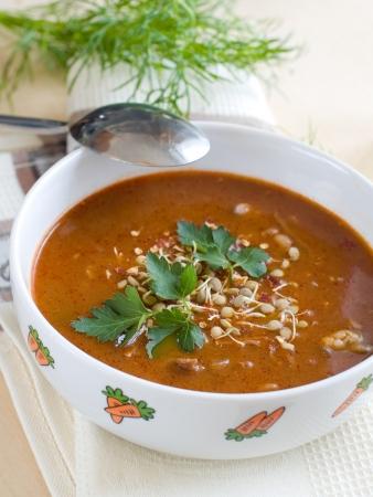 lenteja: Un taz�n de sopa de lentejas casero chili con carne