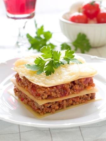 lasagna: Lasa�a con carne, queso y tomate. Enfoque selectivo