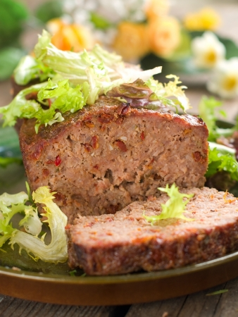 Pastel de carne con especias de la cena, atención selectiva