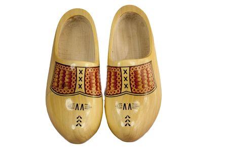 souliers de paire en bois isol�es sur un fond blanc
