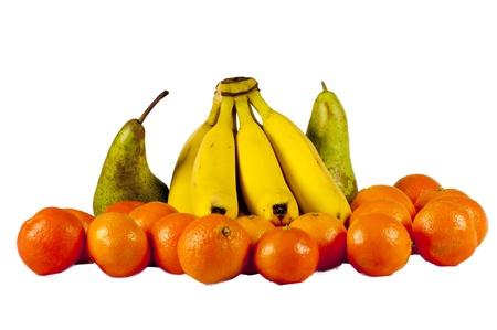 Divers fruits isol�s sur un fond blanc