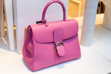 designer bag: Pretty pink lady