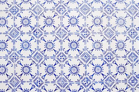 ceramic tile: glazed tiles with blue and white simple pattern