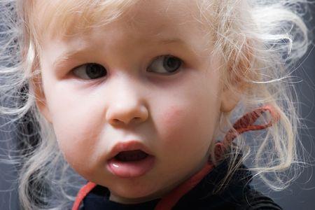 zerzaust: Gro�ansicht Portr�t strubbelig Blondchen