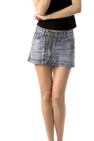 jambes nues de la jeune fille en jupe courte jeans, isolé sur blanc Banque d'images - 1050387
