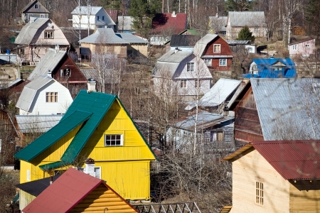 cramped: view of suburb settlement in Russia with small wooden houses Stock Photo